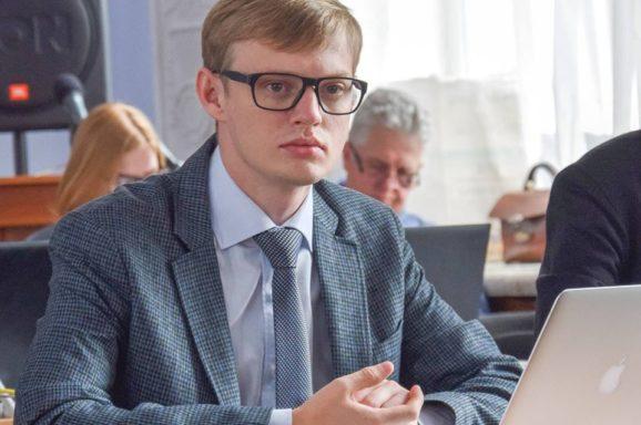 Олег Деренюга